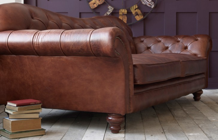 crompton large chesterfield sofa leather chesterfield sofas. Black Bedroom Furniture Sets. Home Design Ideas