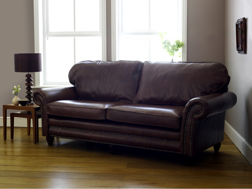 Cromwell traditional leather sofa click to zoom for Traditional leather furniture