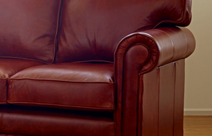 Lincoln Traditional Leather Sofa